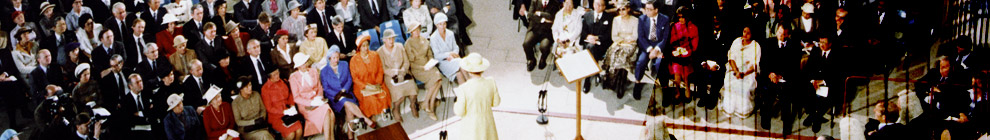Queen Elizabeth at the opening of the High Court of Australia